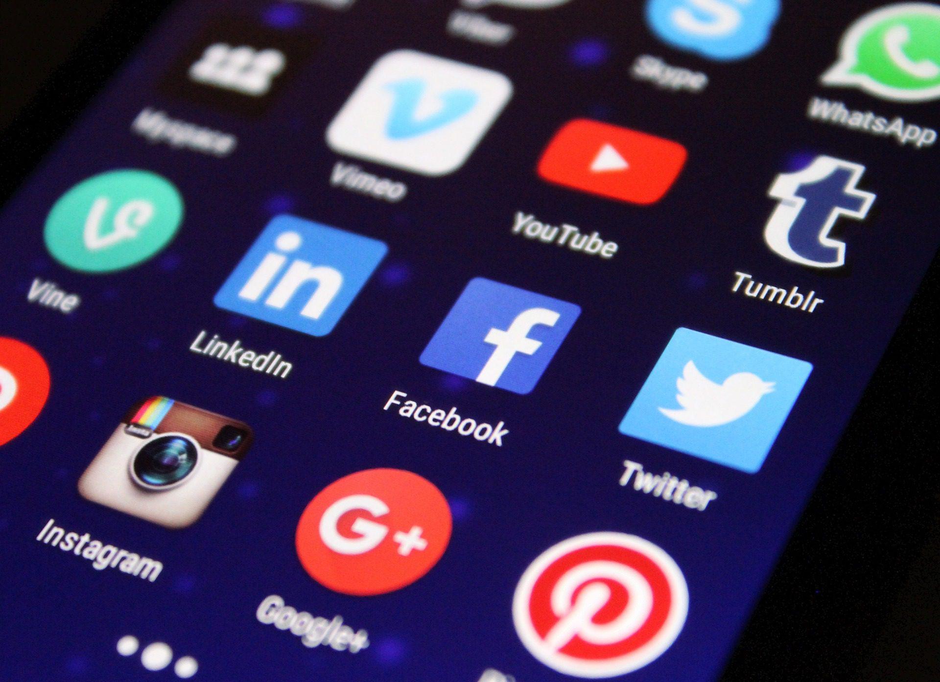 5 Simple Strategies - choosing social media